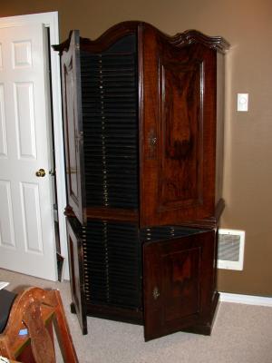 cabinet1600.jpg