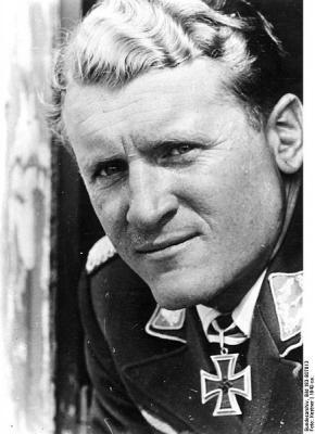 434px-Bundesarchiv_Bild_183-B07013,_Robert_Kowalewski.jpg