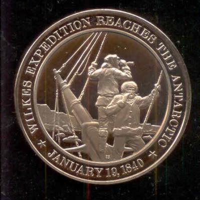 19 января 1840 года — американец Чарльз Уилкс открыл Землю, названную в его честь.jpg