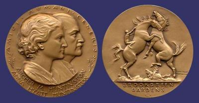 10 марта 1876 года родилась — Анна Хайят Хантингтон и  Арчер Мильтон Хантингтон.jpg