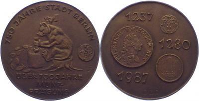30 апреля 1237   — День основания Берлина..jpg
