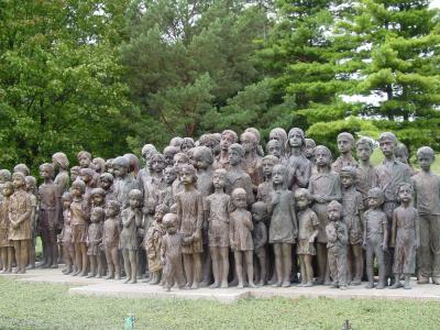 10 июня 1942 года —  чешская деревня Лидица. Памятник.JPG