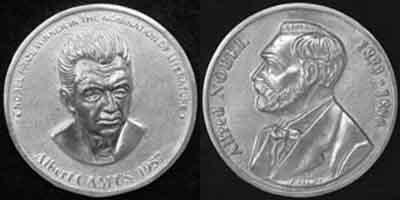 7 ноября 1913 года родился — Альбер Камю.jpg