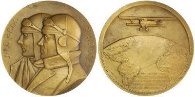 14 ноября 1892 года родился — капитан Дьедонне Косте .jpg