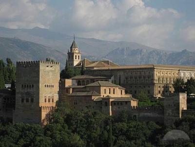 Гранада архитектурный ансамбль Альгамбра.jpg