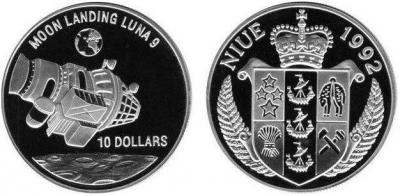 1992_Niue_10 dollars_Moon landing Luna 9.JPG