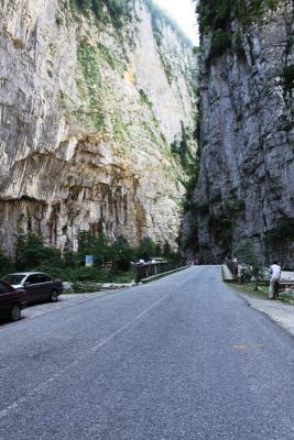 Абхазия,дорога на Оз.Рица.JPG