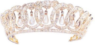 The Vladimir tiara_pearl.jpg