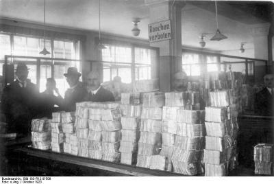 Bundesarchiv_Bild_183-R1215-506,_Berlin,_Reichsbank,_Geldauflieferungsstelle.jpg