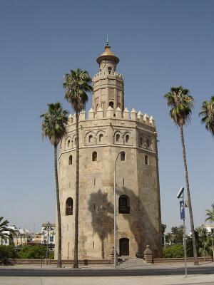 Севилья.Двенадцатиугольная башня Торре дель Оро.jpg