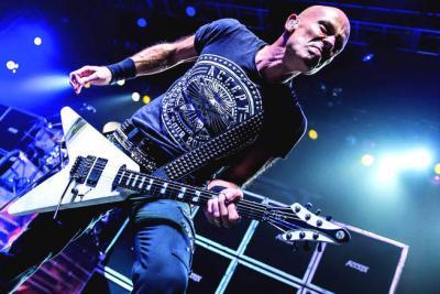 Accept-Gitarrist-als-neuer-Framus-Endorser_front_page_teaser.jpg