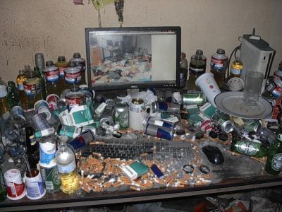 disgustingdesktop2.jpg