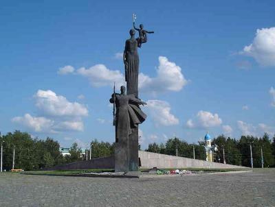 Памятник_Победы_в_Пензе_обрез.jpg