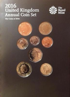 Годовой набор состоит из 8 обиходных монет..jpg