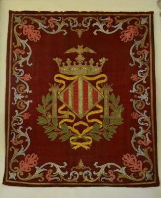 Refectori_del_convent_de_sant_Doménec,_tapís_amb_escut_de_València.JPG