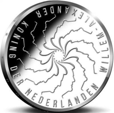 Нидерланды 5 евро 2018 год «Фанни Бланкерс-Кун» (аверс).jpg