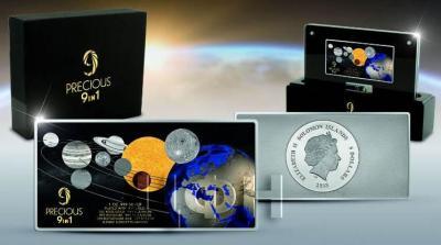 Соломоновы острова 5 долларов 2018 год «MOON LANDING 50th Anniversary Precious» (упаковка).jpg